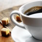 Ba bau dung cafein sinh con nhe can 1