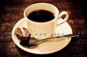 Ba bau dung cafein sinh con nhe can 2